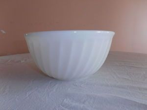 "Vintage Anchor Hocking ""Fire King Ware"" White Milk Glass Mixing Bowl"