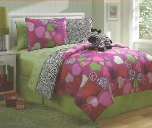Twin 7 PC Reversible Bed in Bag w Sheets Furry Friend Zoe Zebra Pink Lime Green