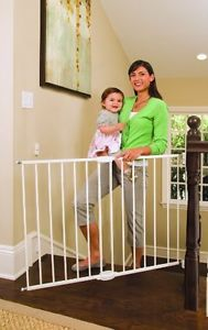 Munchkin Extending Metal Security Safety Gate Baby Infant Toddler Pet New