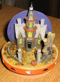 New Our America Haunted House Halloween Candle Topper 14 5 22 oz Yankee Candle