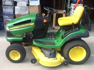 John Deere LA130 Lawn Tractor Riding Mower Excellent Condition Only 48 2 Hrs