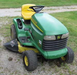 2004 John Deere LT150 Lawn Tractor Riding Mower for Repair Parts