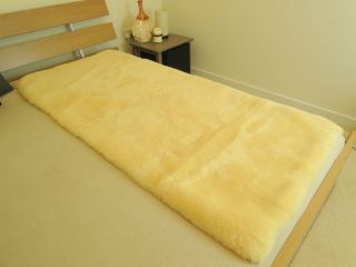 100 Genuine Medical Rectangular Sheepskin Bed Pad Mat Underlay Mattress