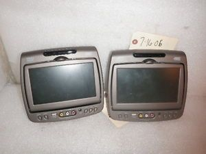 Set Escalade Silverado Tahoe Avalanche Sierra 7'' USB Port DVD Headrest Monitors