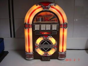 Crosley CR11 1947 Jukebox Am FM Cassette Player Jukebox Radio Tabletop Radio