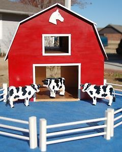 Red Barn Stable Wooden for Horses Farm Animals 3 Cows 7 Fences Handcrafted Toy