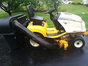 Cub Cadet GT 3204 Lawn Tractor Complete for Parts or Repair