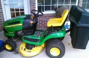 John Deere La 125 Riding Mower