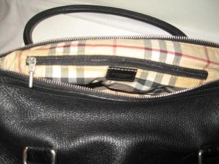 Burberry London Black Leather Medium Big Bag Italy Made Plaid Liner Key Zipper