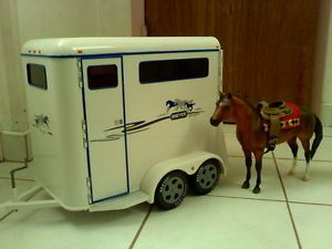Breyer Show Horse Trailer Traditional Size Excellent Condition