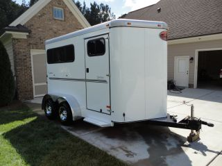 2011 Sundowner Sportsman 2 Horse Slant Like Brand New