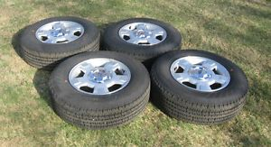 Ford F150 Truck 17 inch Tires and Wheels P235 75 R17