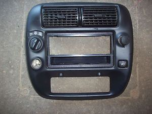 98 99 00 01 02 03 04 05 Ford Explorer Radio Stereo Climate Dash Bezel Panel