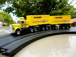 AFX Aurora AW Lighted Peterbilt w 2 Ryder Truck Rental Pup Trailers