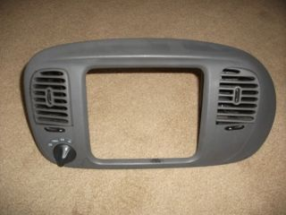 Ford Expedition F150 Center Dash Vent Radio Climate Bezel Trim with 4WD 97 03