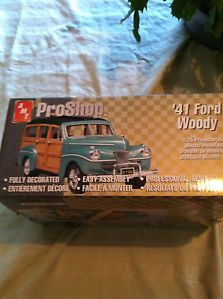 AMT 1941 Ford Woody Model Car Kit
