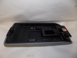 05 07 06 Chrysler 300 Arm Rest Center Console Lid 2005 2006 2007 1709