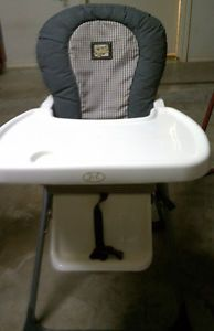 Jmason Folding High Chair w Vinyl Seat A Removable Machine Washable Seat Pad