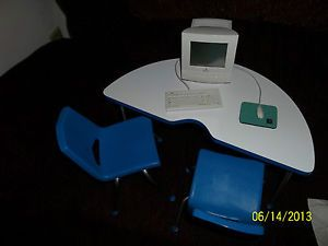 1999 American Girl Today Doll School Activity Desk Table and Chairs Computer