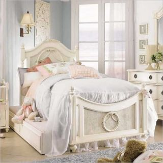 Lea Emma's Treasure Kids Wood Poster Bed 5 Piece Bedroom Set in Vintage White   606 POSTB PKG1