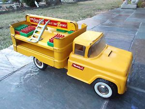 Late 1950's Buddy L Coca Cola Delivery Truck w Cases Hand Trucks