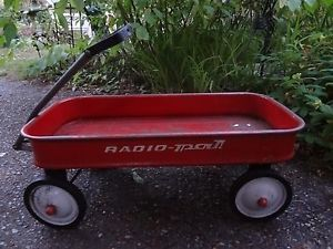 New Lower Price Vintage 1970's Radio PAL Red Wagon Kids Childrens Metal Pull Toy