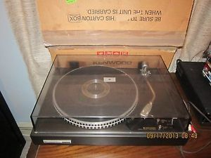 Kenwood KD 2070 Direct Drive Turntable with Audio Technica AT100E Cartridge
