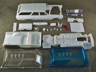 1/25 Scale Model Car Parts Junk Yard 1965 Chevelle Superwagon Body & Chassis