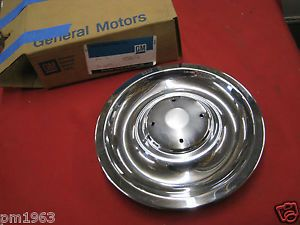 1967 Corvette Camaro Rally Wheel Cap Cover GR 5 858 Part 3901712