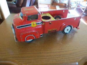 Antique Wyandotte Truck Metal Fire Truck with Nice Working Tires not Complete