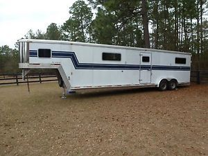 Exiss 4 Horse Head to Head Deluxe Trailer White with Blue Stripe 2003 Model