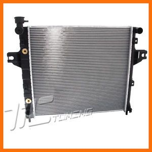 Replacement 1999 2004 Jeep Grand Cherokee Laredo Auto Cooling Radiator Assembly