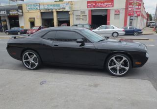 "Giovanna Dalar 5V 22"" Chrome Rims Wheels Charger V6"
