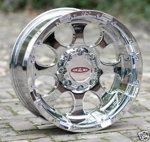 17 inch Chrome Wheels Moto Metal 955 Chevy HD GMC Dodge 2500 3500 8 Lug Trucks