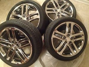 "2013 Kia Optima SXL 18"" Chrome Wheels with Tires"