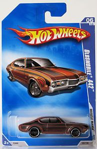 2009 Hot Wheels Muscle Mania 082 Oldsmobile 442 Brown 06 10