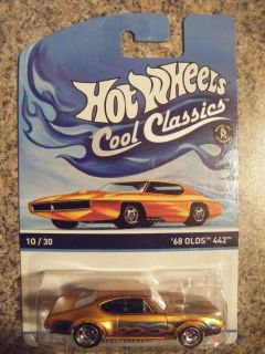 Hot Wheels Cool Classics 10 30 '68 Olds 442 Gold Background 746775259440