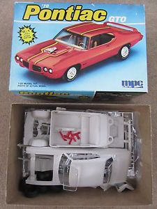 MPC Ertl '70 Pontiac GTO Model Kit 6281 IOB Parts 1 25 Scale 2 in 1 Stock Custom