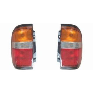 OE Replacement Nissan/Datsun Pathfinder Driver Side Taillight Assembly (Partslink Number NI2800126) Automotive