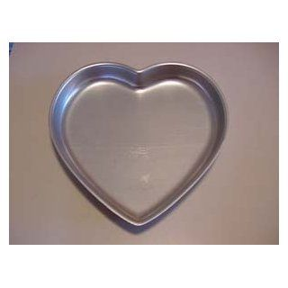 Wilton Heart Cake Pan 9.5 x 9.0 inches 502 951 (1971) Kitchen & Dining